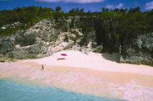 Bermuda's beautiful pink sandy beaches